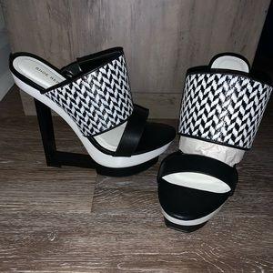Shoe Republic La Unique Wedge, open toe heel!